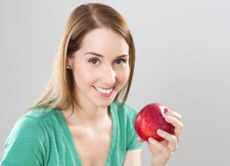 Choroba jelit może objawiać się bólem po jedzeniu.